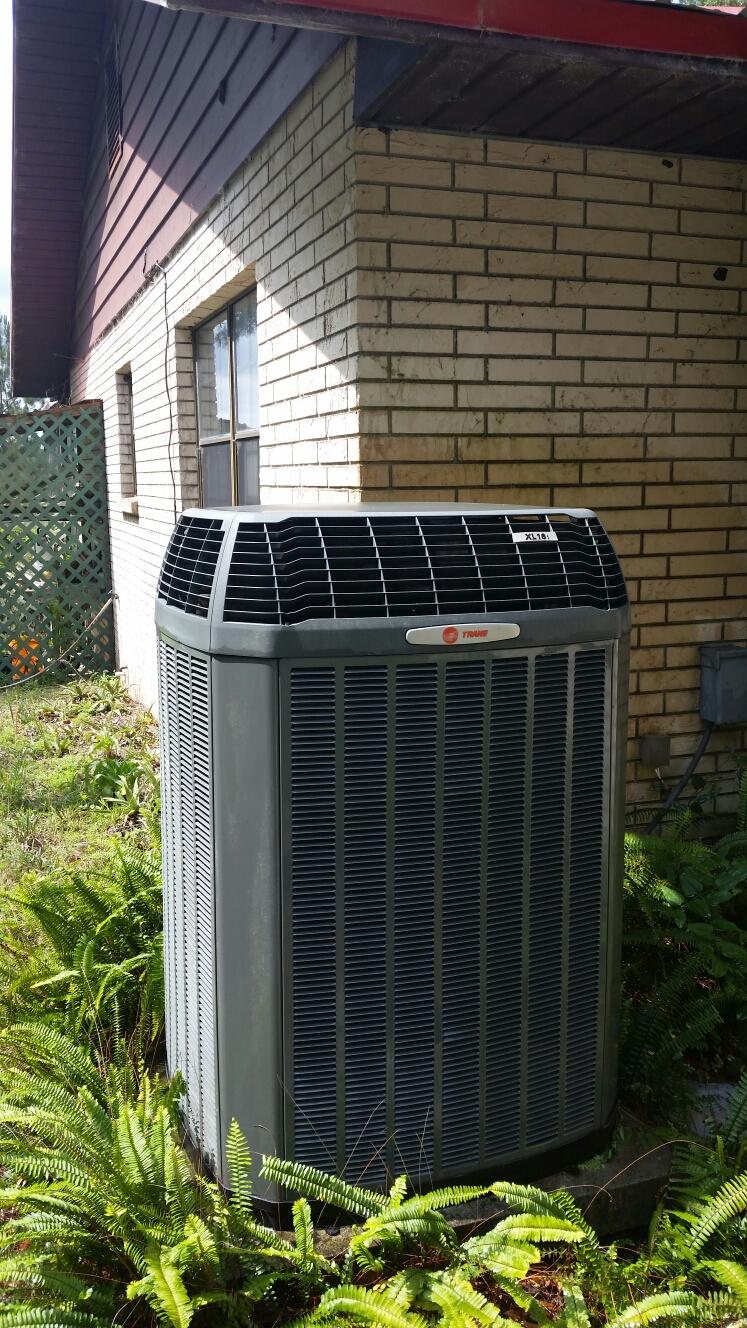 Melrose, FL - Maintenance on Trane heat pump