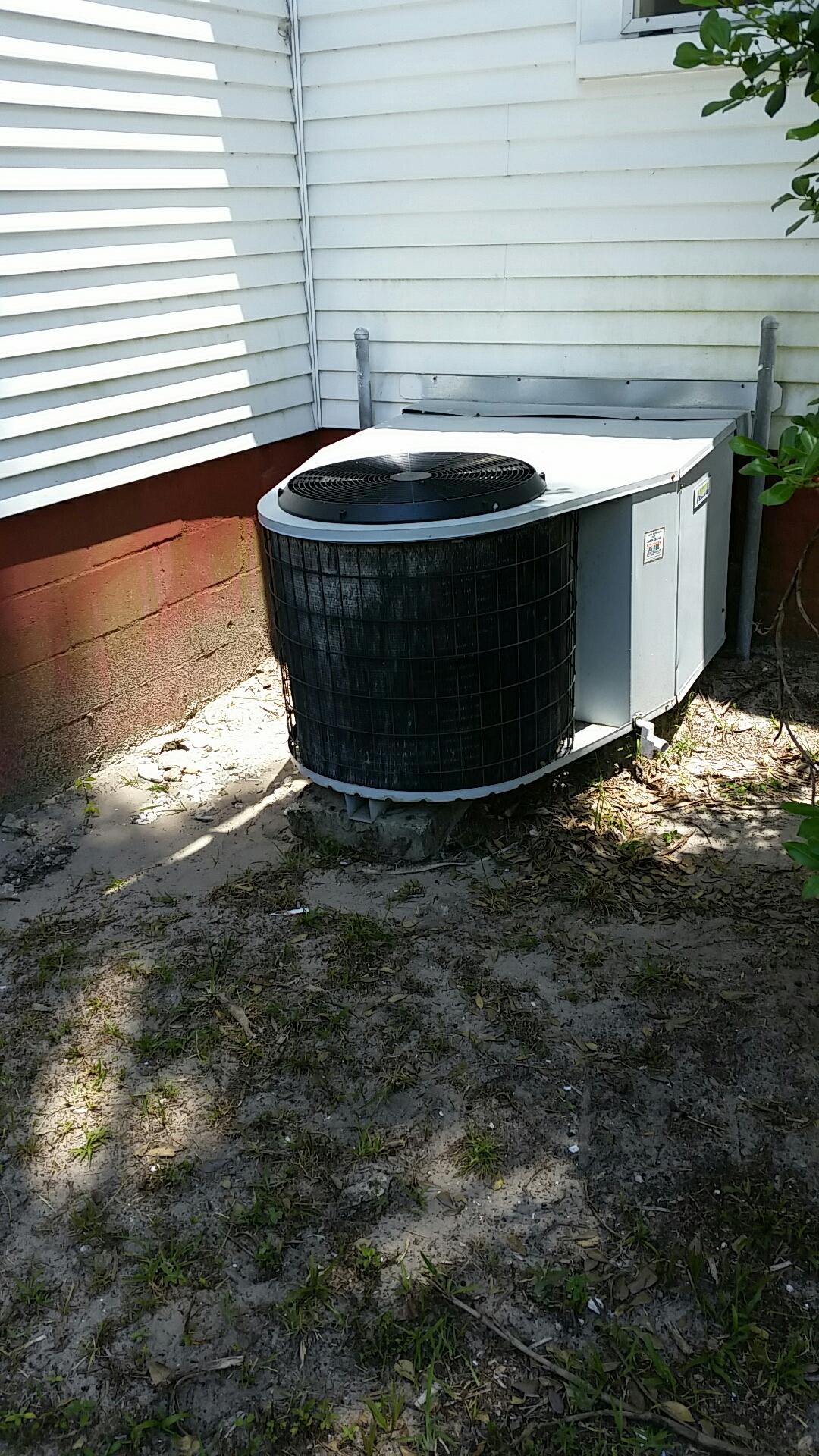 Pomona Park, FL - Service on Heil heat pump