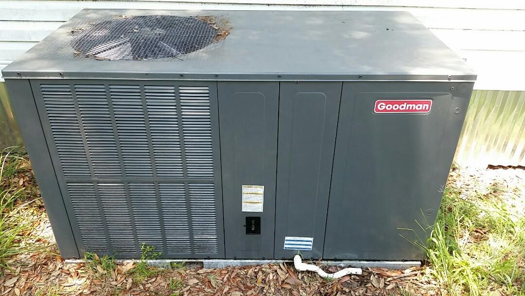 Florahome, FL - Service call goodman package heatpump system