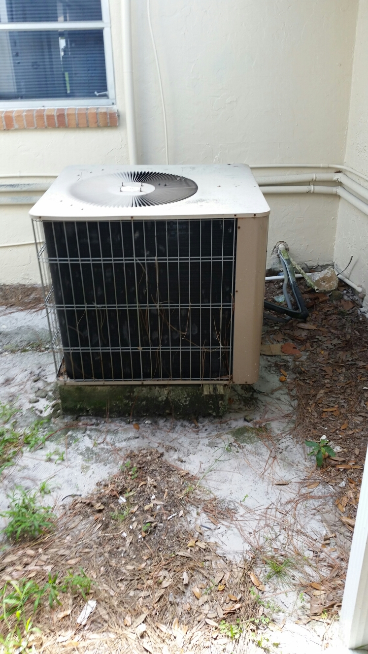 Keystone Heights, FL - Service on Armstrong heat pump