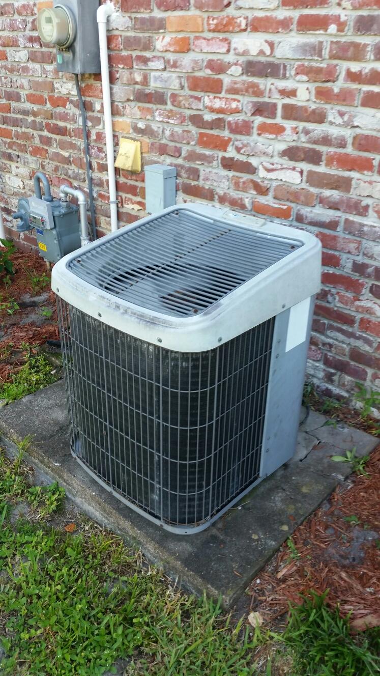 Pomona Park, FL - Service on carrier heat pump