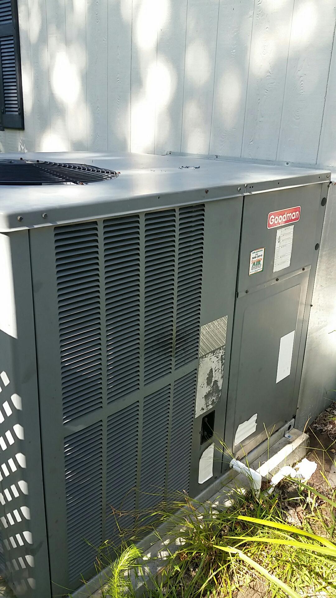 San Mateo, FL - Service call on Goodman package heat pump system