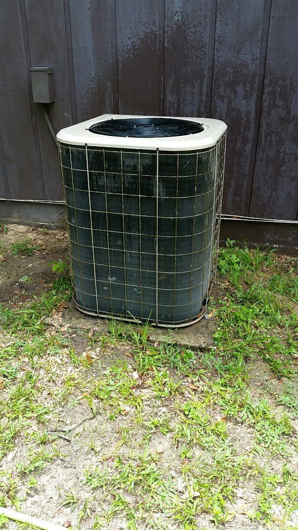 San Mateo, FL - Heat pump cool mode tune up maintenance on a Amana split system
