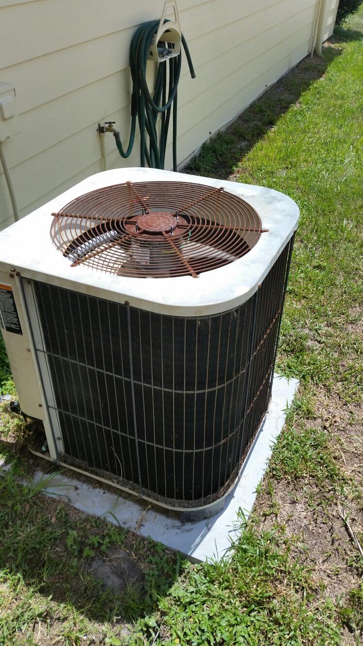 Welaka, FL - Service on Lennox heat pump