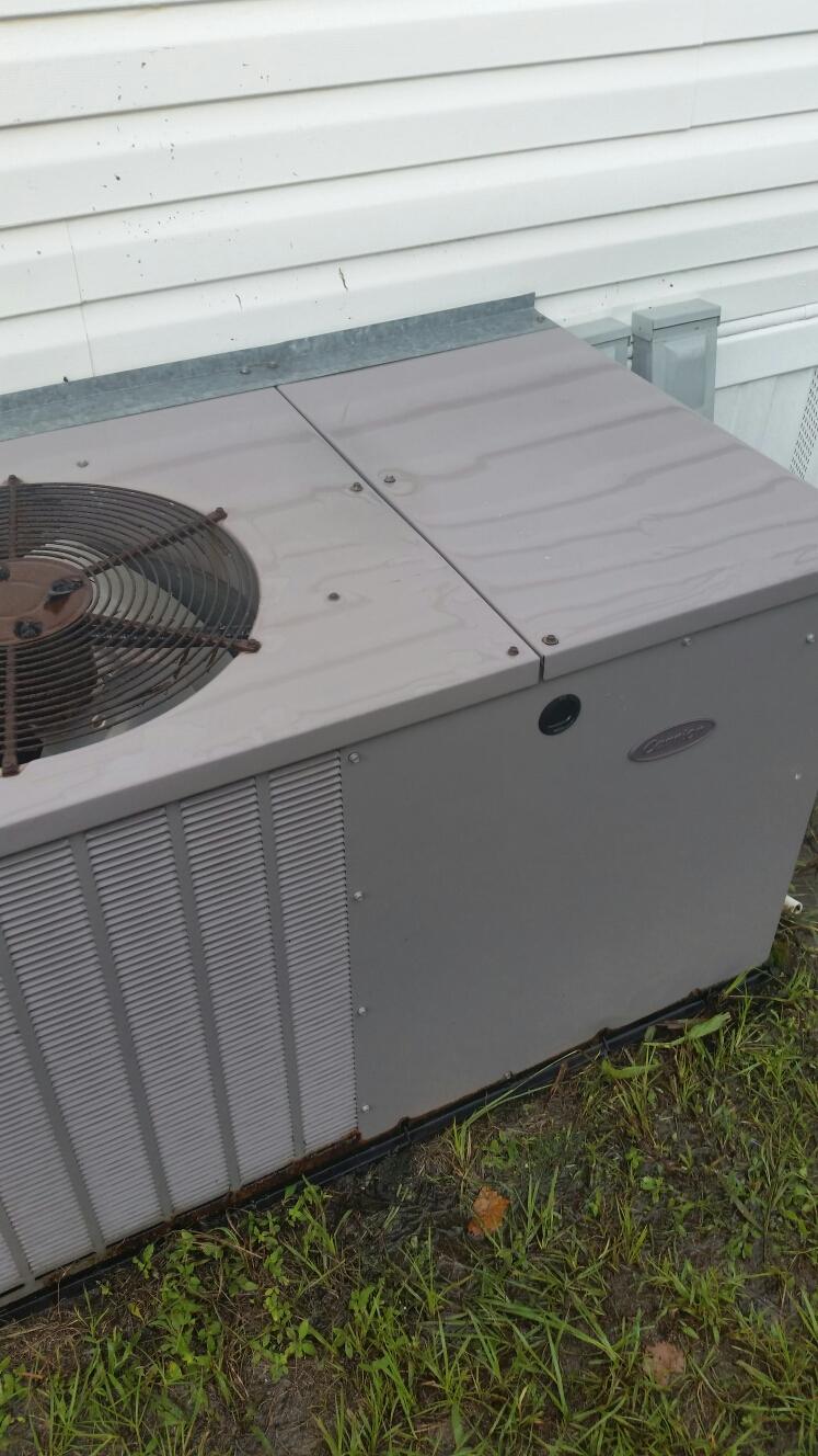 Pomona Park, FL - Maintenance on carrier heat pump