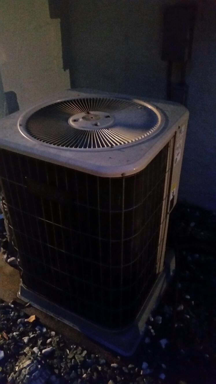 Florahome, FL - Service on Lennox  heat pump