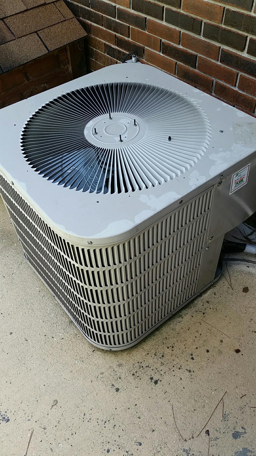 Florahome, FL - Maintenance on Goodman heat pump