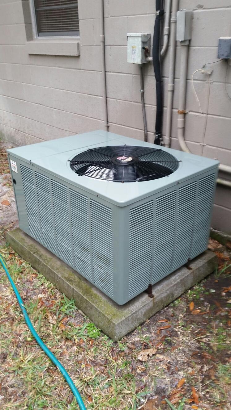Florahome, FL - Maintenance on Ruud heat pump
