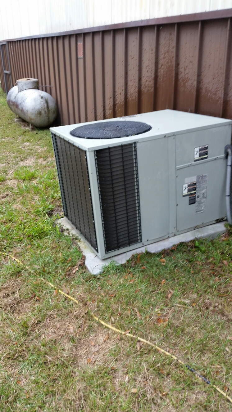 Melrose, FL - Maintenance on Trane