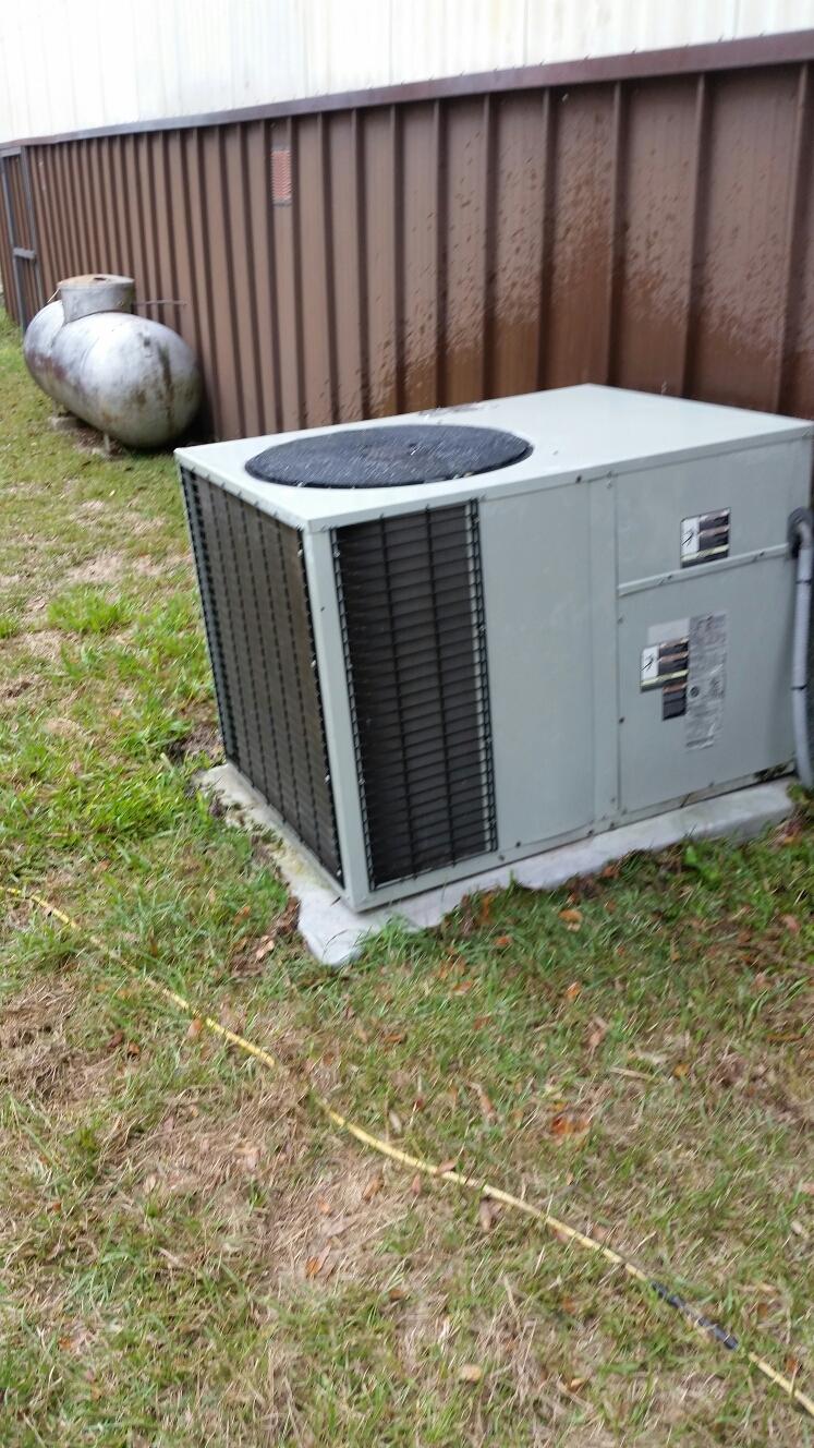 Melrose, FL - Maintenance on Trane