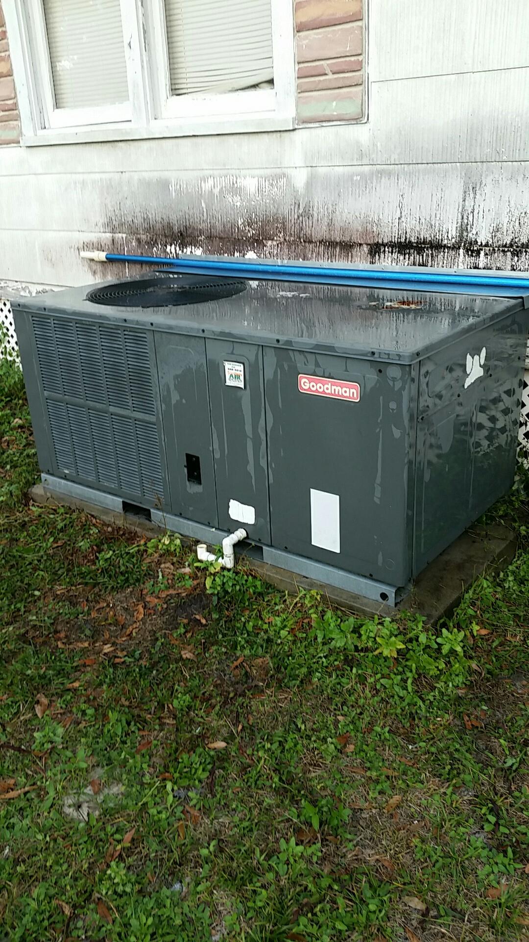 Pomona Park, FL - Maintenance on Goodman package  straight cool electric heat system