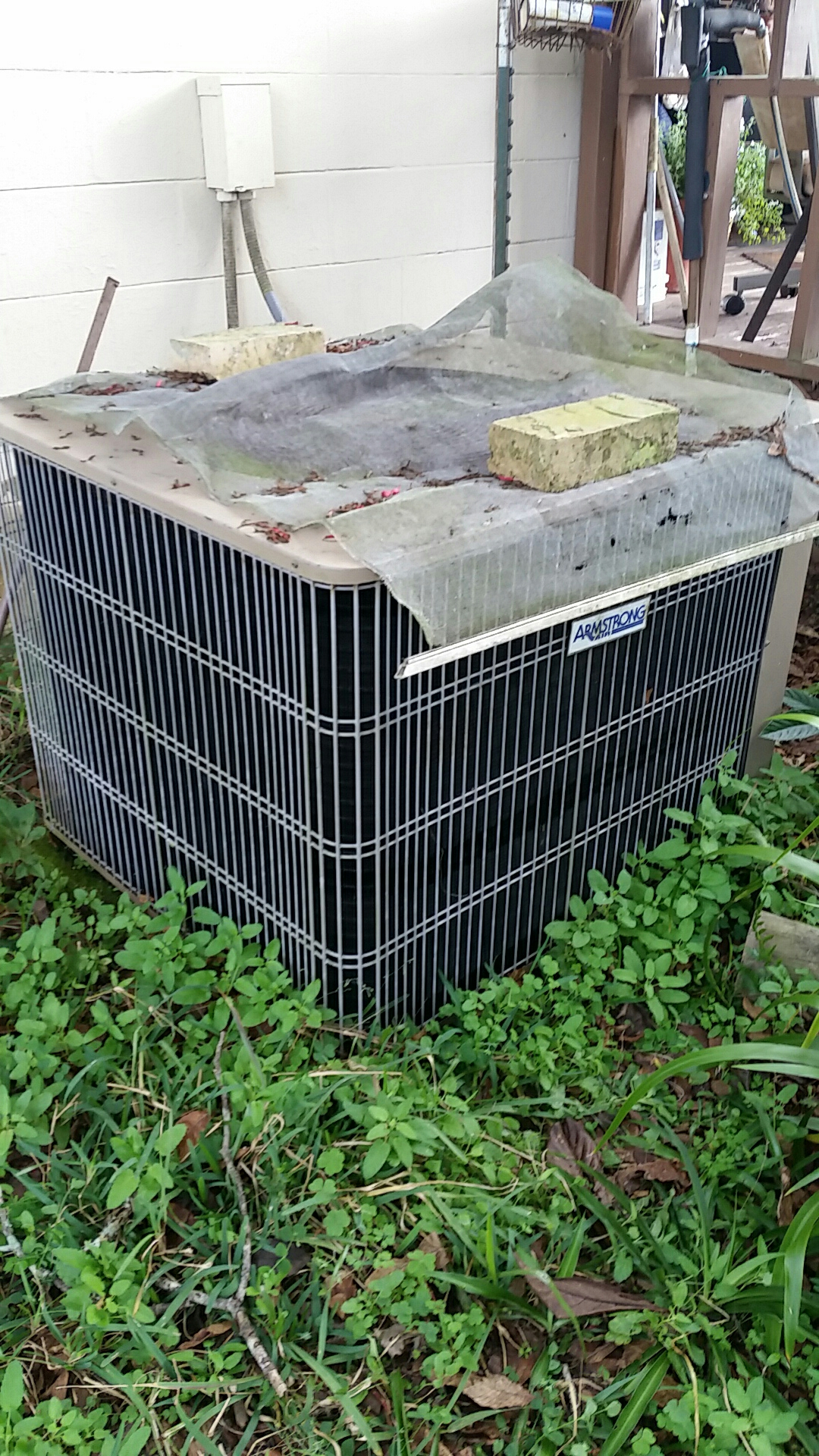 Florahome, FL - Service call on Armstrong split heat pump system