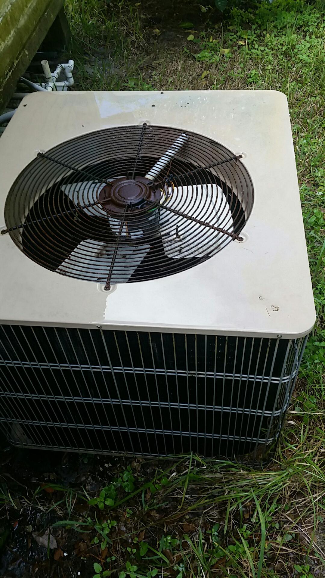 Pomona Park, FL - Maintenance on Armstrong  heat pump