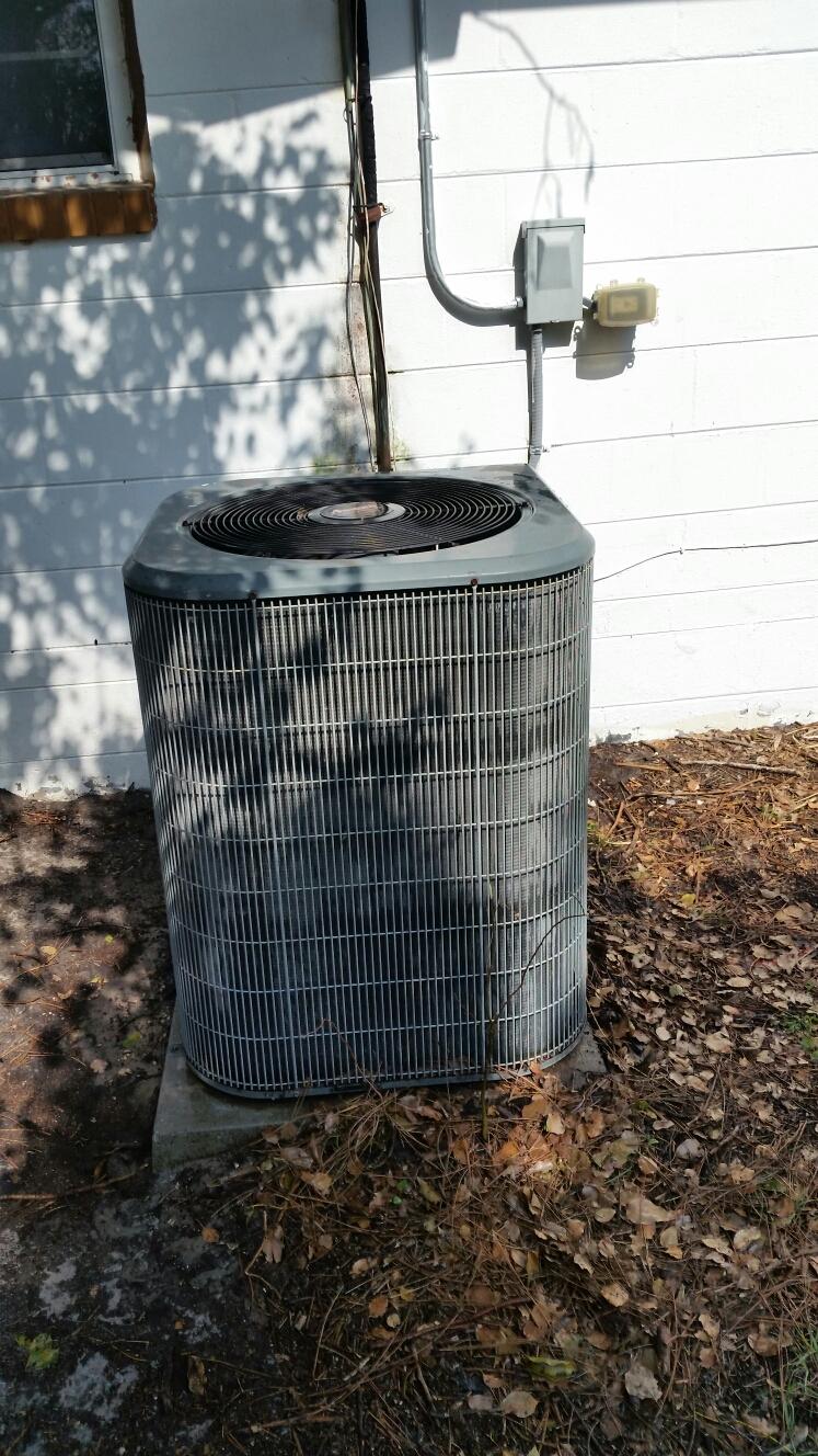 Crescent City, FL - Maintenance on Amana Heat Pump