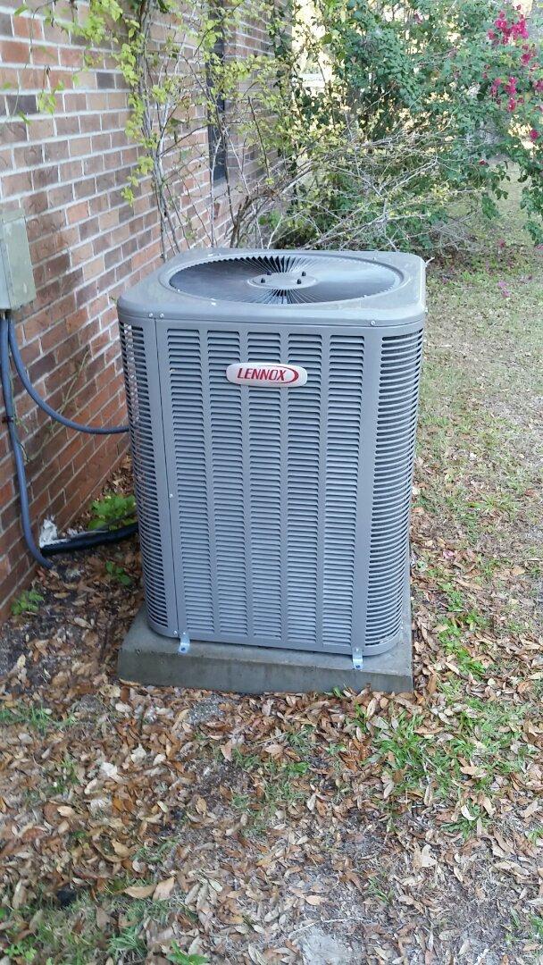 San Mateo, FL - Tune up lennox heatpump system