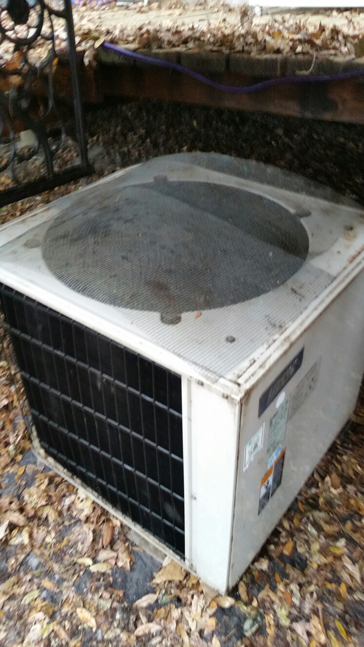 Melrose, FL - Maintenance on Lennox heat pump