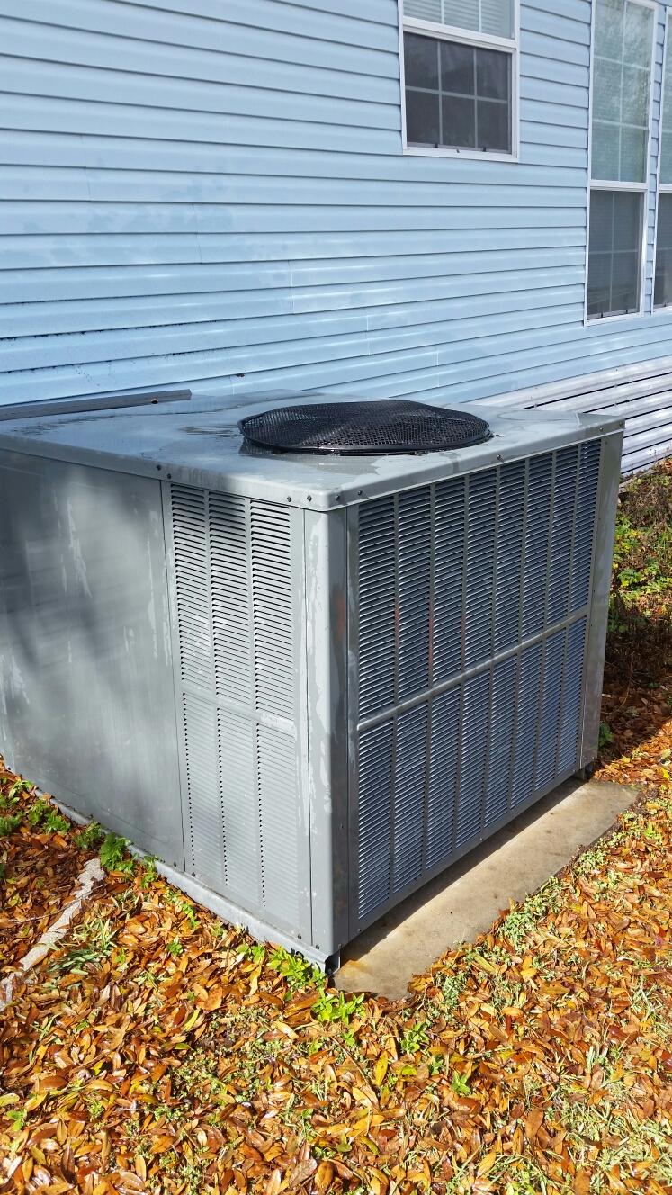 Melrose, FL - Maintenance on Amana Heat Pump