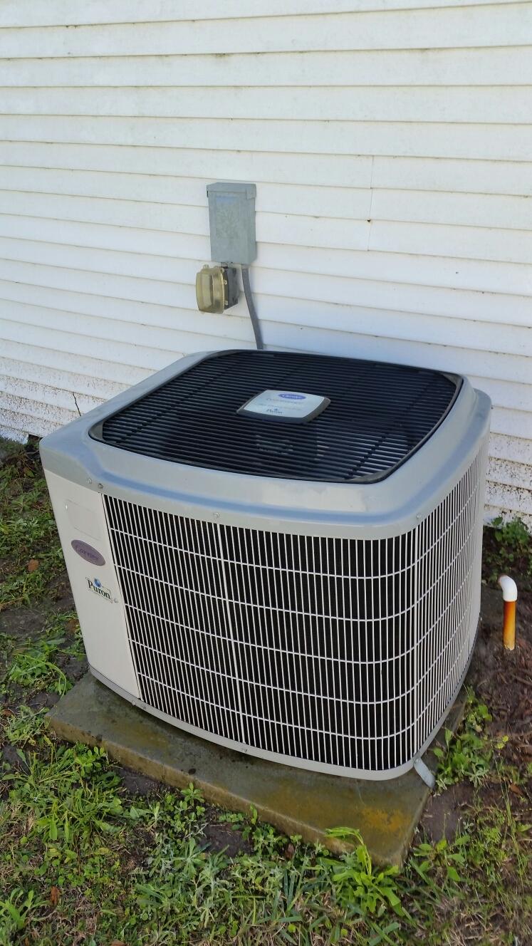 Satsuma, FL - Maintenance on carrier heat pump