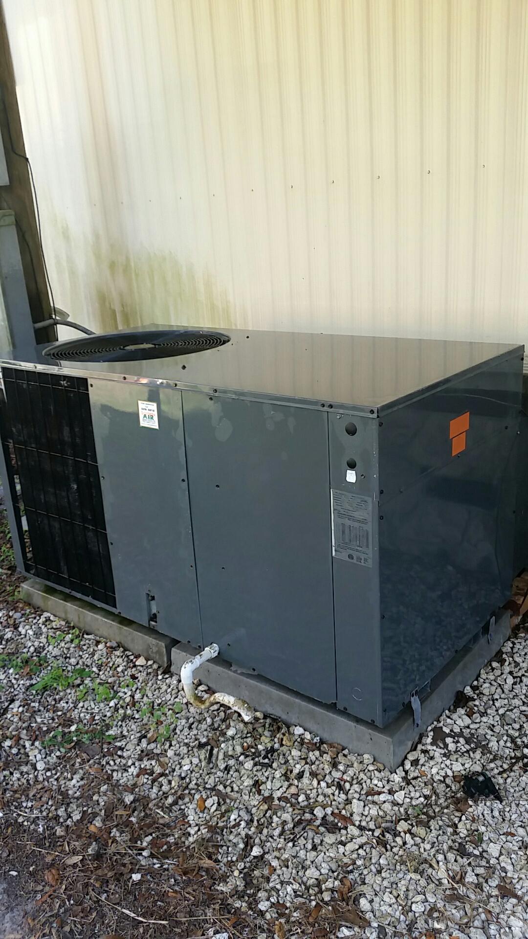 Satsuma, FL - Maintenance on Goodman package heat pump system