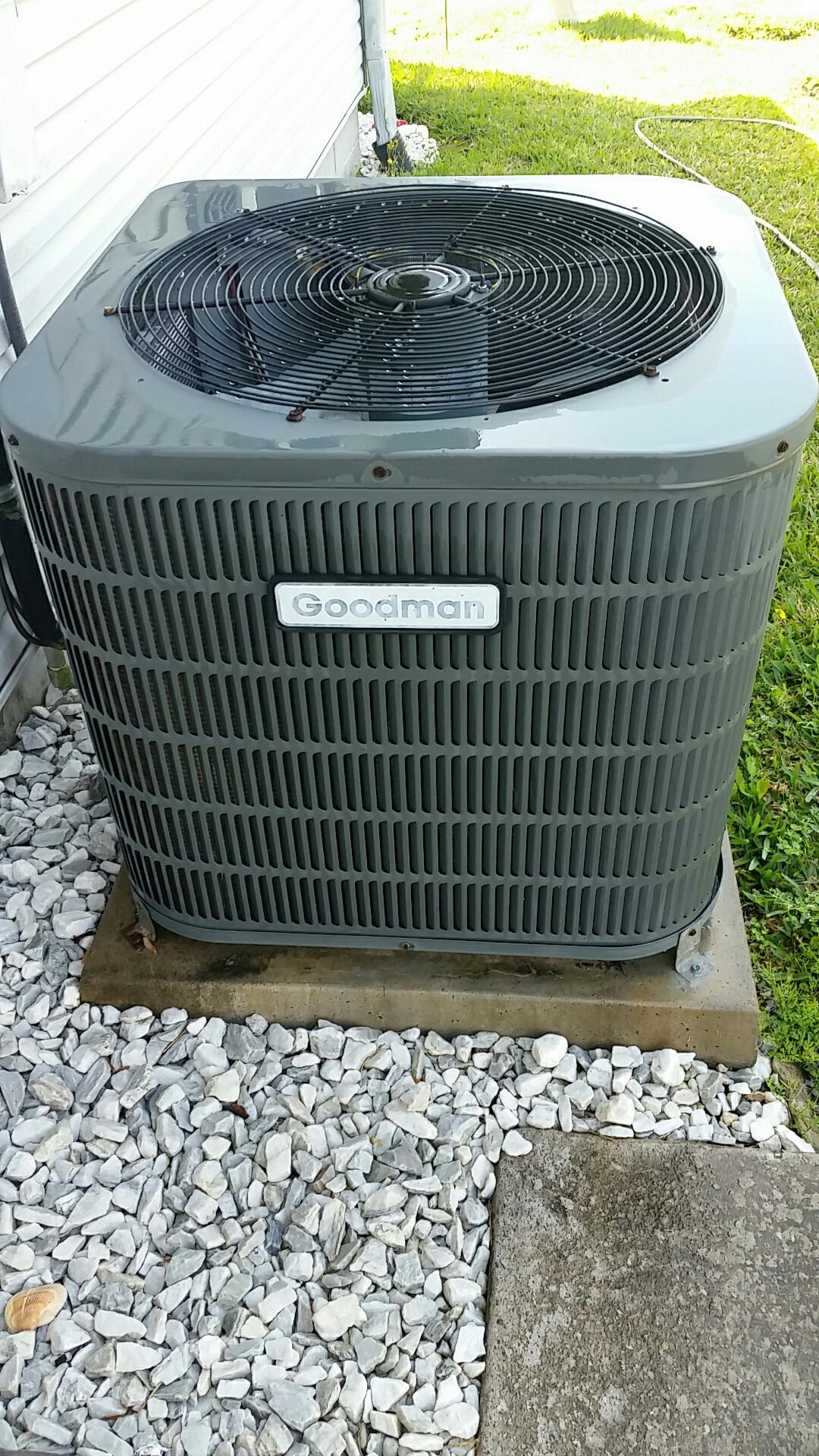 East Palatka, FL - Maintenance on Goodman split heat pump system