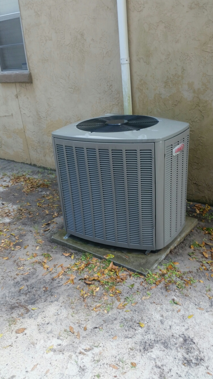 Crescent City, FL - Maintenance on Lennox heat pump