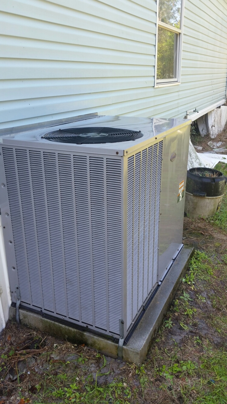 Crescent City, FL - Maintenance on carrier heat pump