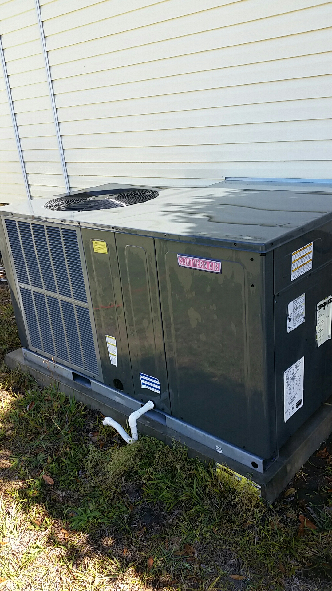 Pomona Park, FL - Maintenance on Southern Air package heat pump comfort system