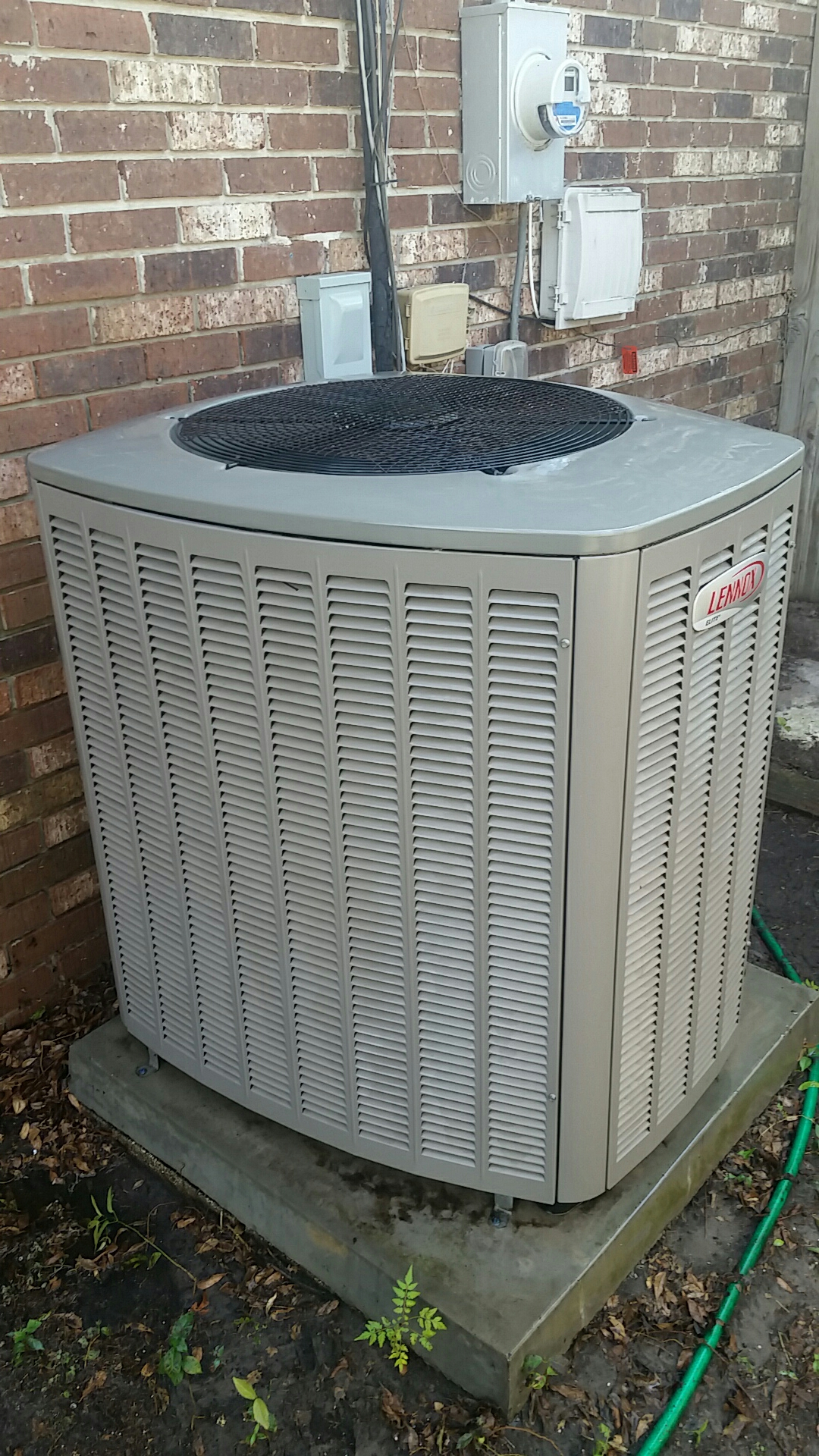 Satsuma, FL - Maintenance on Lennox split heat pump system