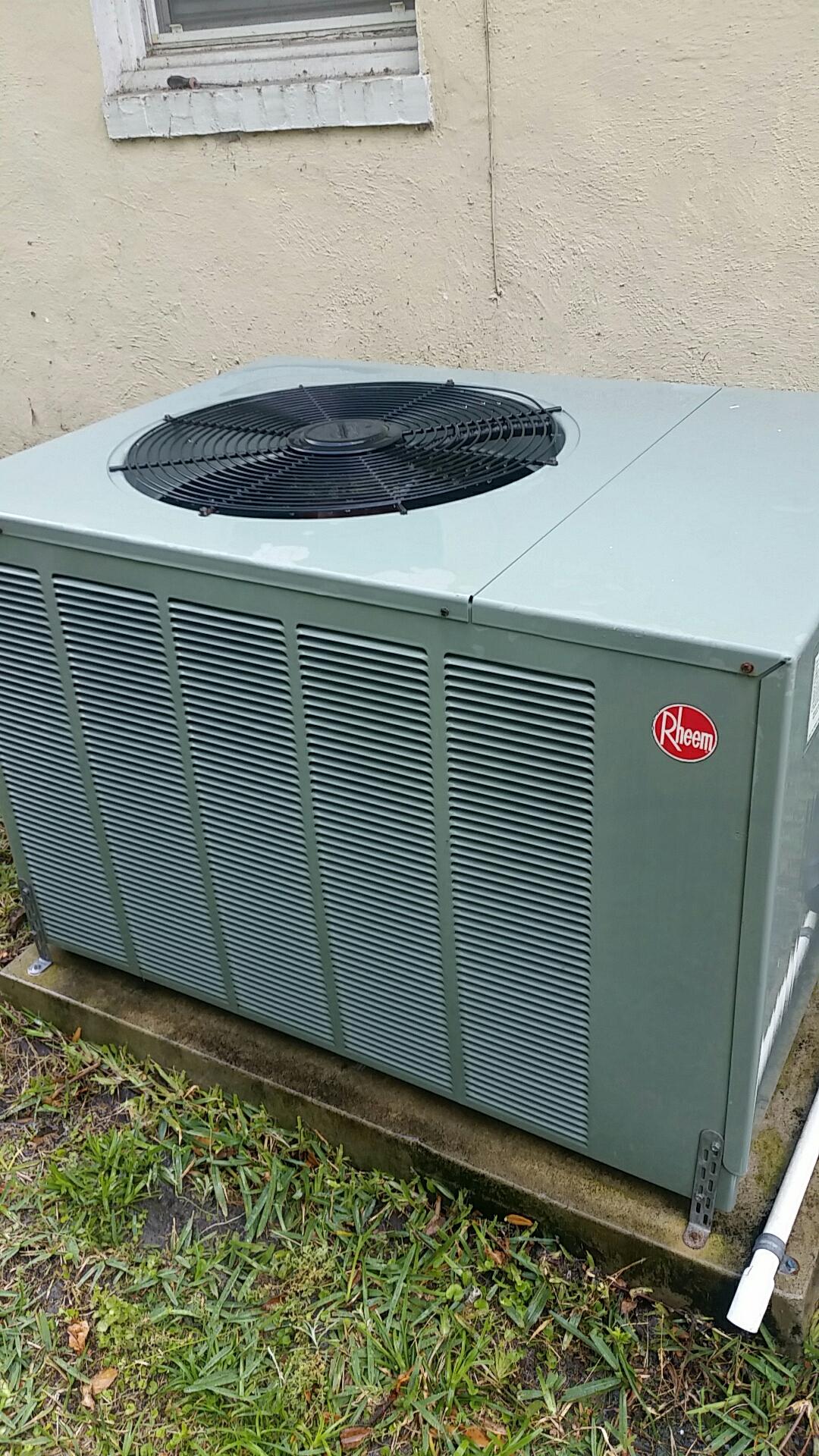East Palatka, FL - Maintenance on Rheem split heat pump system