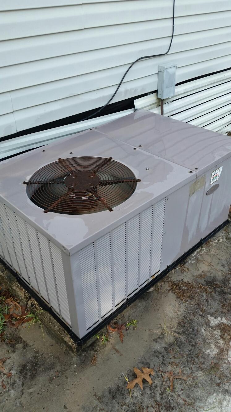 Florahome, FL - Maintenance on carrier heat pump