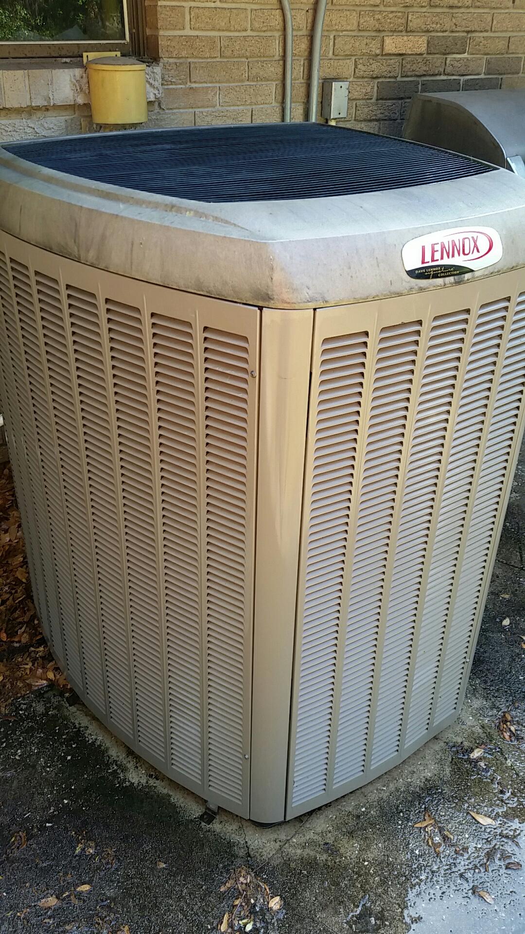 East Palatka, FL - Maintenance on Lennox split heat pump system