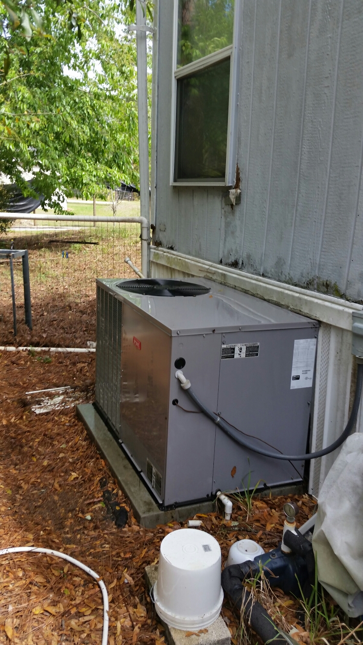 Satsuma, FL - Maintenance on Bryant heat pump