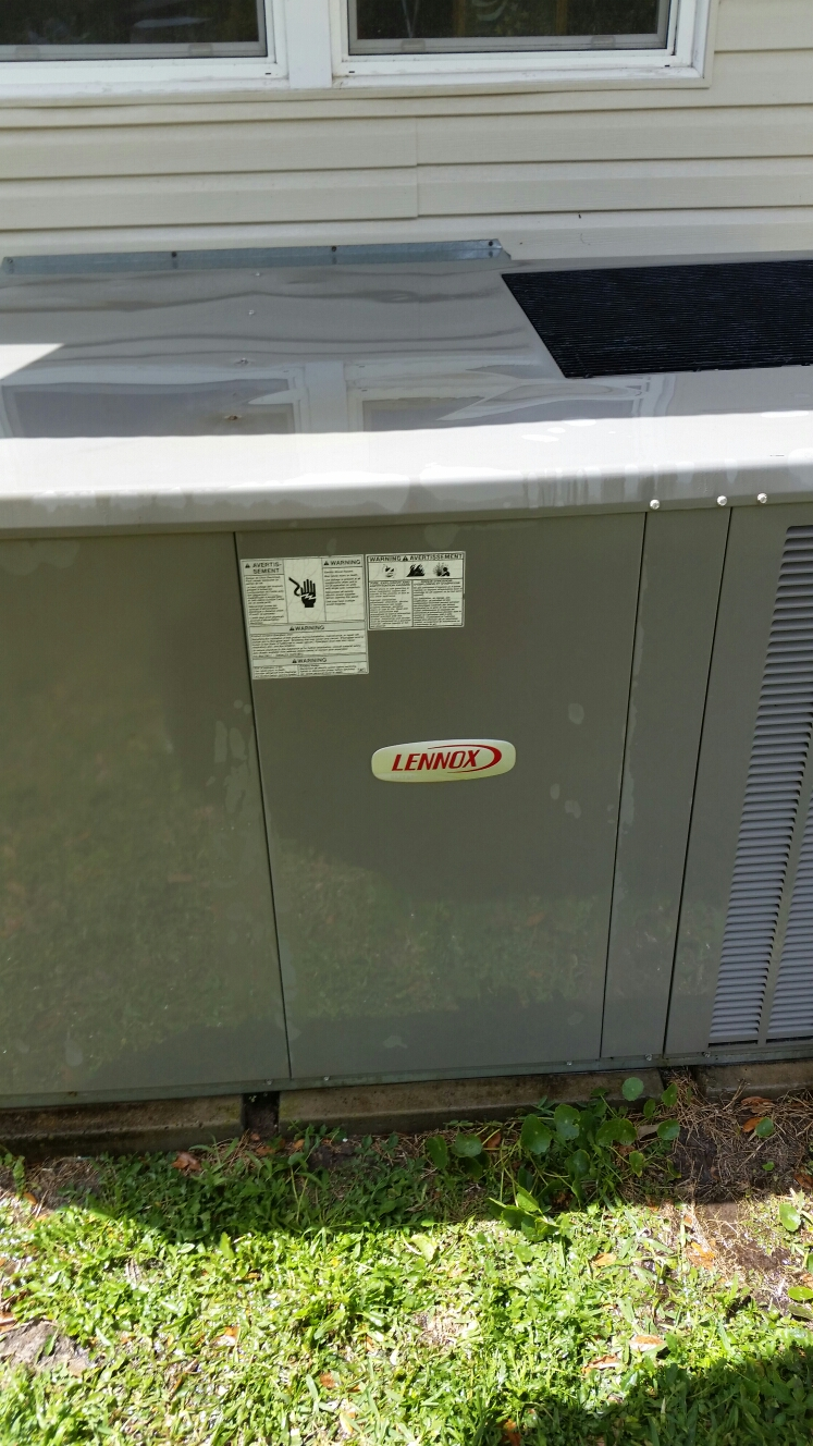 Satsuma, FL - Maintenance on Lennox heat pump