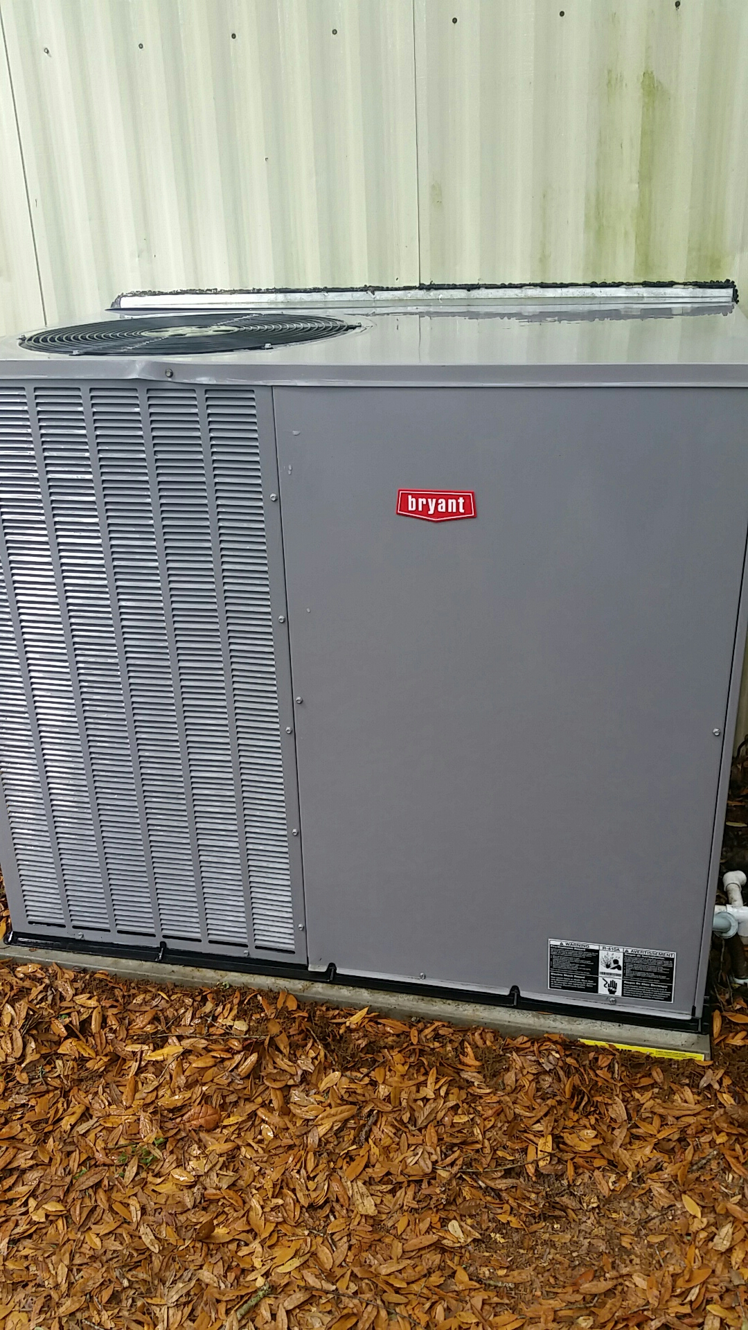 Interlachen, FL - Maintenance on Bryant package heat pump system