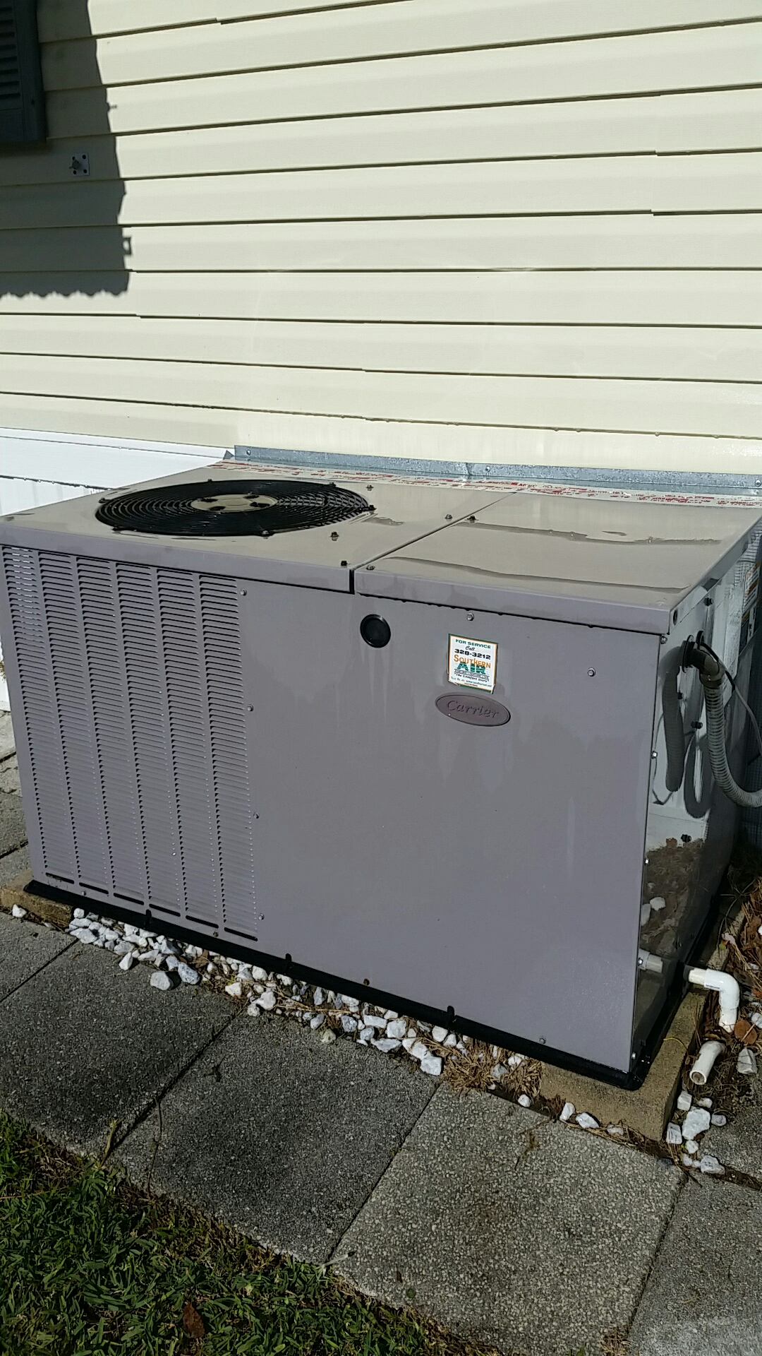 Satsuma, FL - Maintenance on Carrier package heat pump system