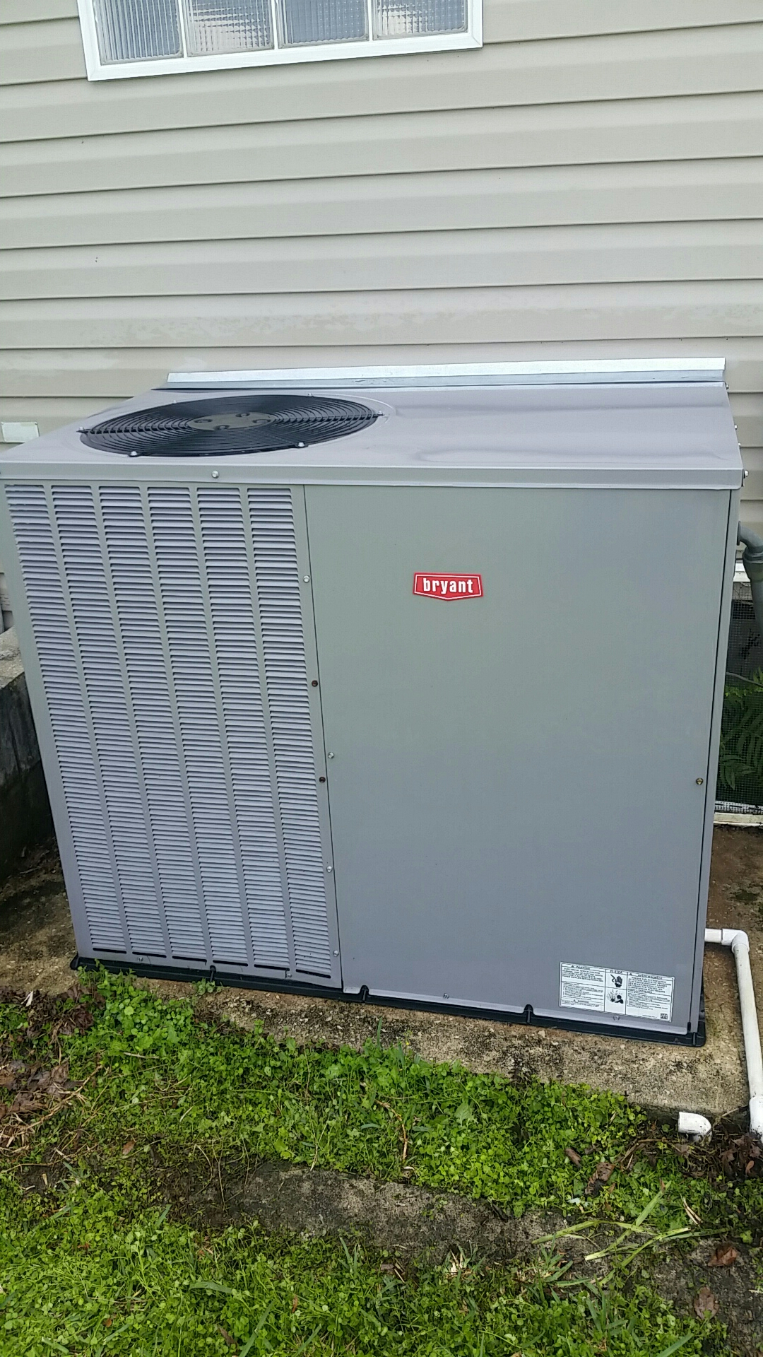 Elkton, FL - Maintenance on Bryant package heat pump system