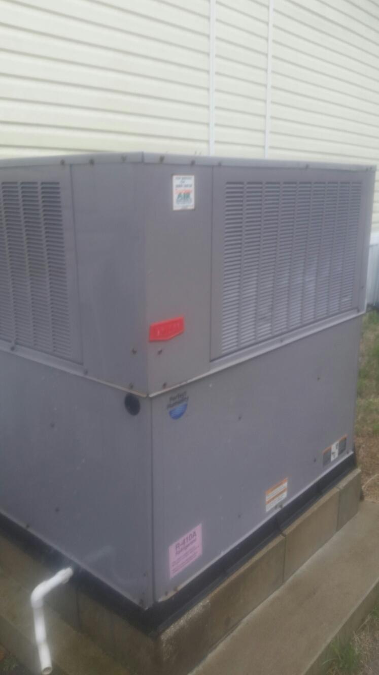 Crescent City, FL - Maintenance on Bryant heat pump