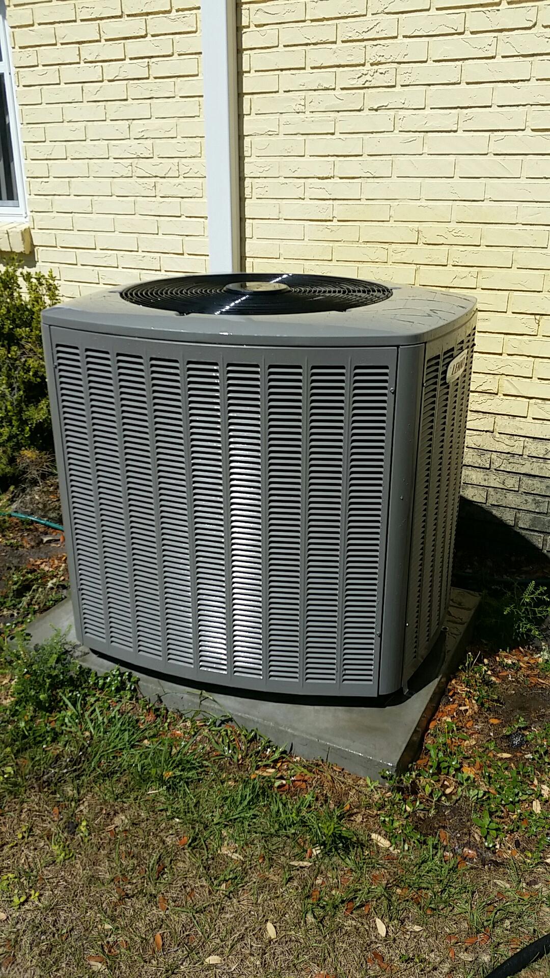 Pomona Park, FL - Maintenance on Lennox split heat pump system