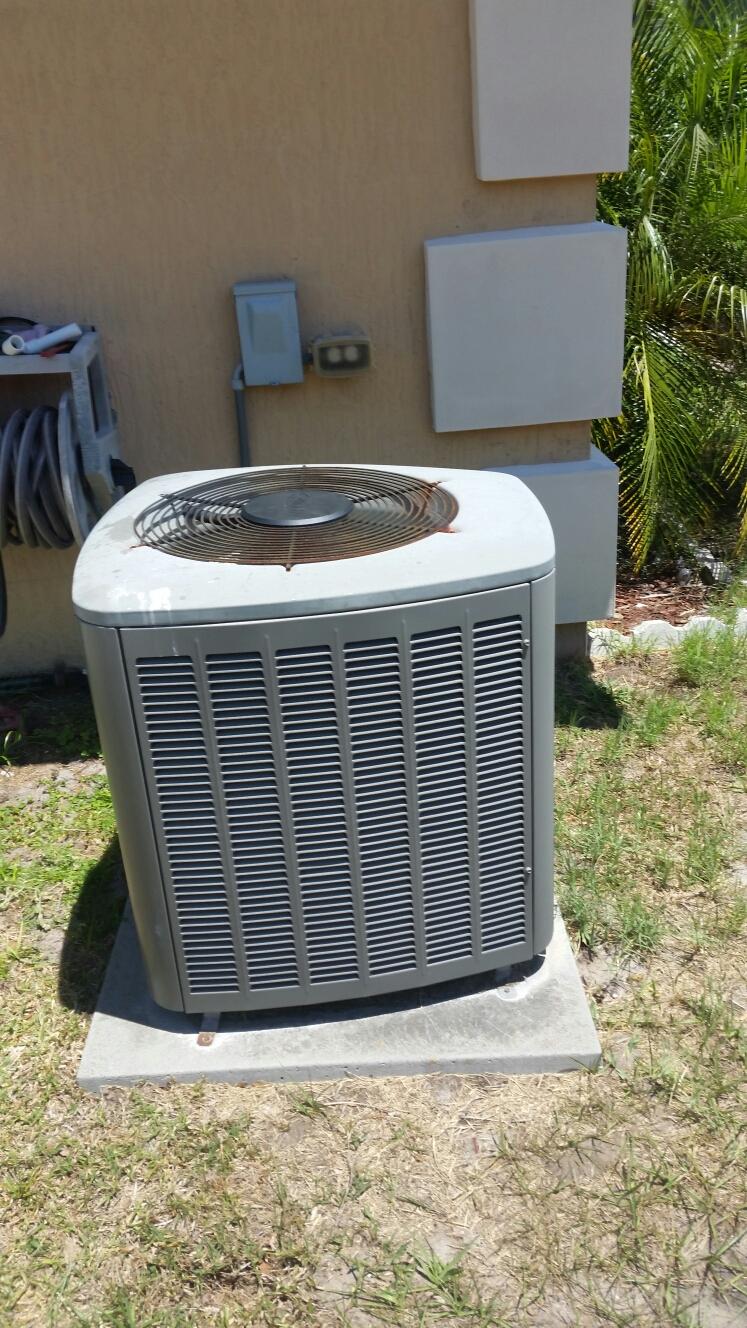 Palatka, FL - Service on Lennox  heat pump