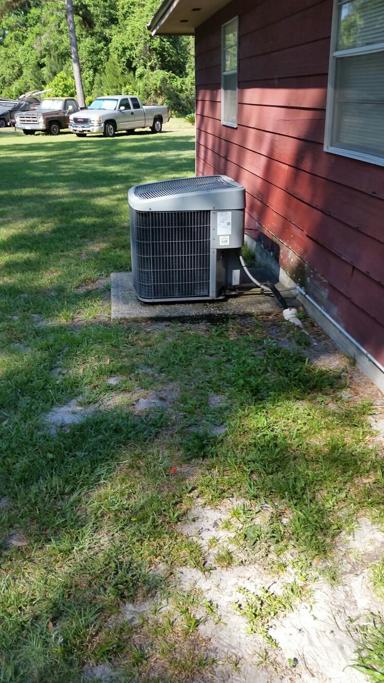 Palatka, FL - Maintenance on Temp Star heat pump