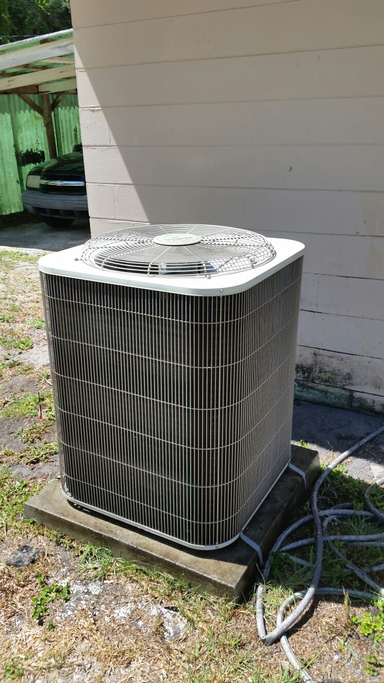Palatka, FL - Maintenance on Bryant heat pump
