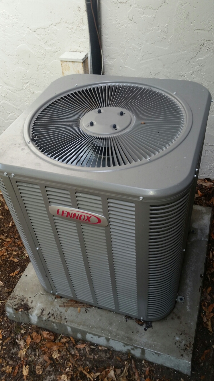 San Mateo, FL - Service on Lennox heat pump