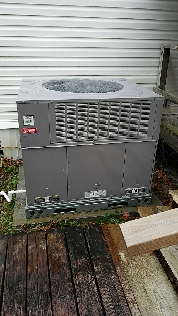 Florahome, FL - Tune up Bryant package heat pump system