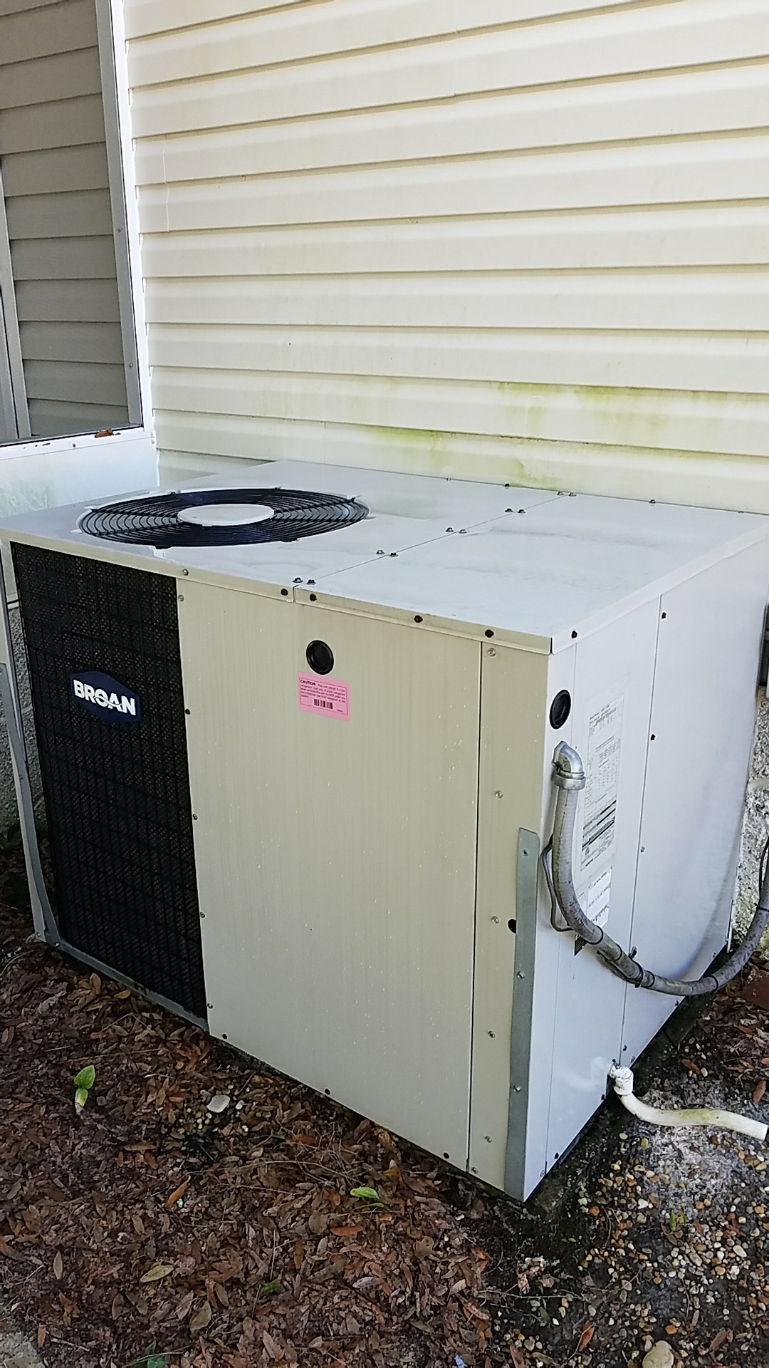 Pomona Park, FL - Maintenance on Broan package heat pump system