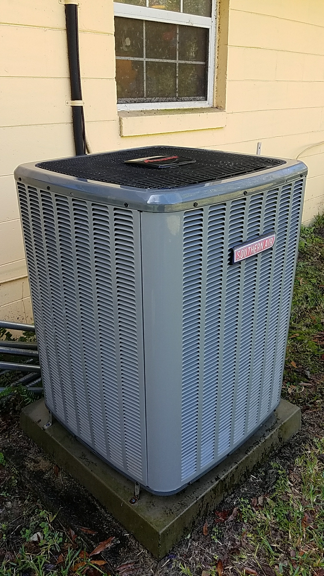 Hastings, FL - Maintenance on Southern Air split heat pump system