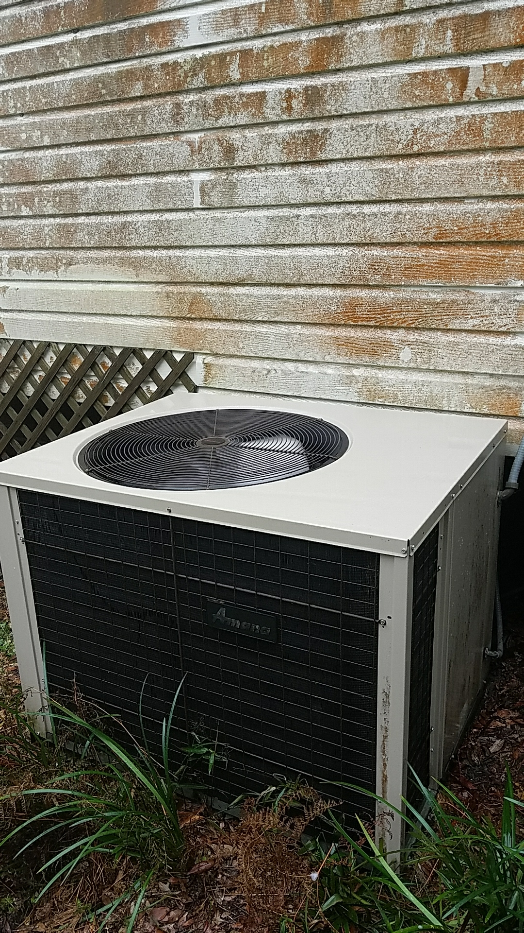 San Mateo, FL - Maintenance on Amana package heat pump system