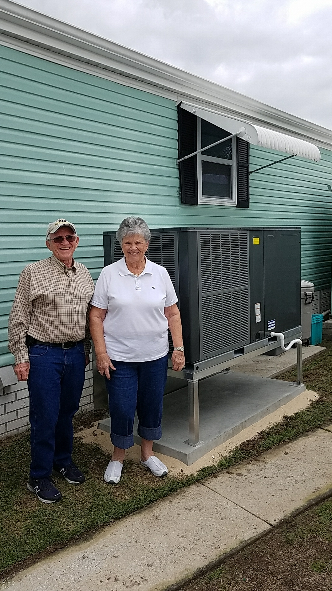 Welaka, FL - New install of Southern Air package heat pump system.