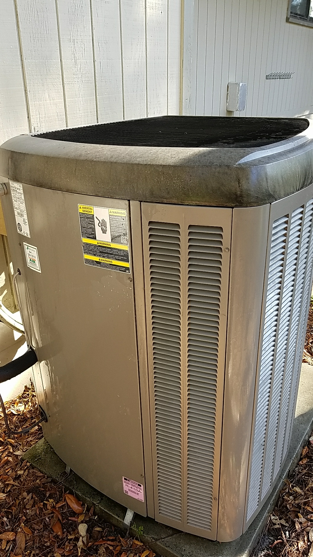 Hawthorne, FL - Maintenance on Lennox split heat pump system