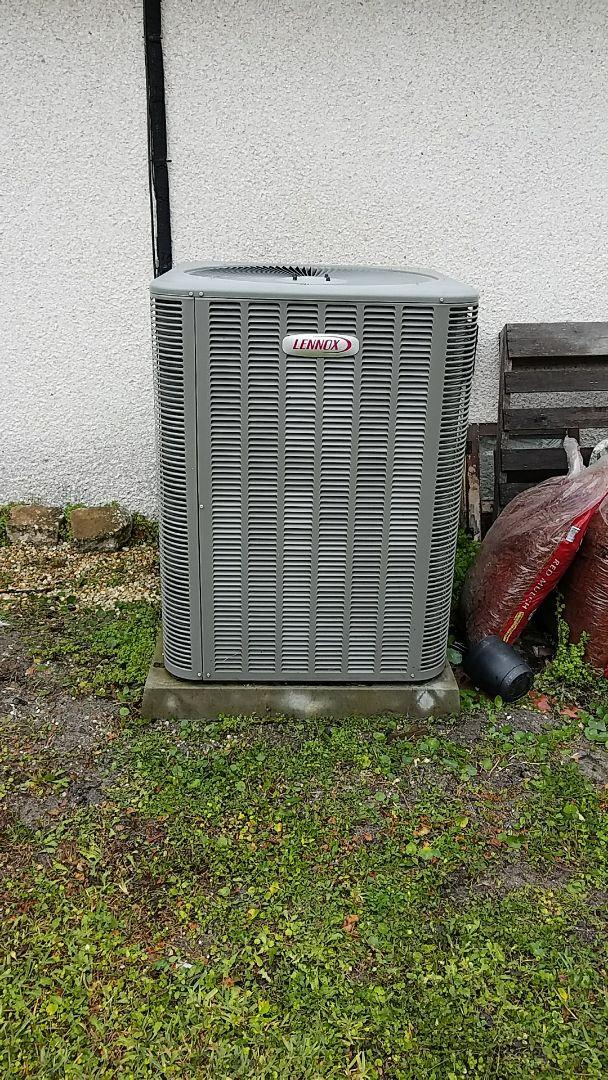 East Palatka, FL - Tune up Lennox split heat pump system