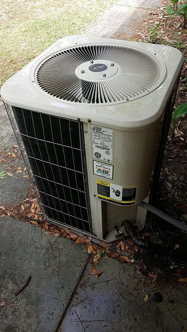 Pomona Park, FL - Tune up Lennox split heat pump system